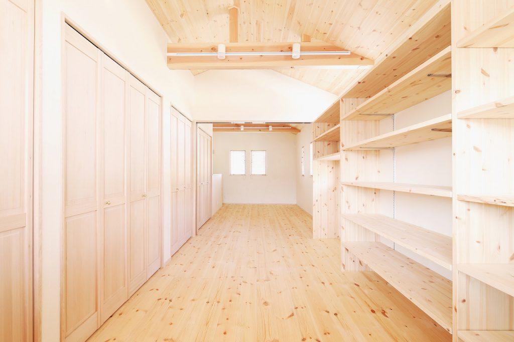 福岡の中心部に建つツルケン初の狭小注文住宅