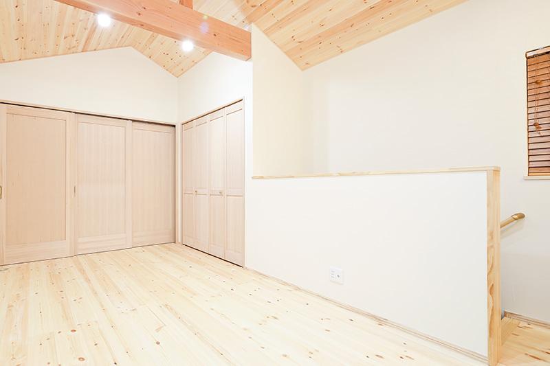 無垢フローリングの中には、床暖房に対応していないタイプの無垢材もあります。