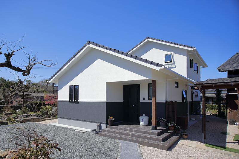 和の雰囲気を活かしながら現代風にアレンジした住宅です。