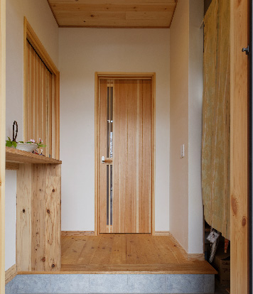 天然無垢のドア