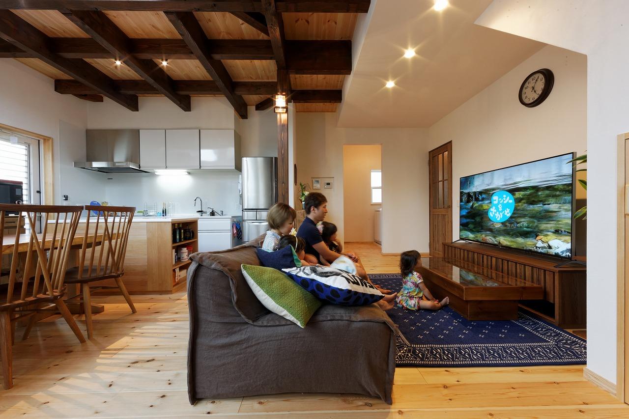デザインも素材も妥協しない 理想を叶えたマイホームが完成。_リビング