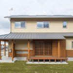 自然素材が心地いい。お気に入りに囲まれて過ごしたくなる家